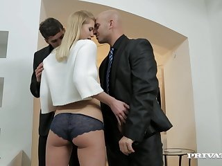 Wild blondie drops on her knees to make two dicks hard for a 3-way